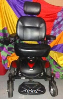 Drive Medical Titan AXS Mid-Wheel Power Wheelchair titanaxs