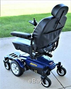 Power wheelchair Jazzy Select 6 mint shows 4 hours running time cream puff