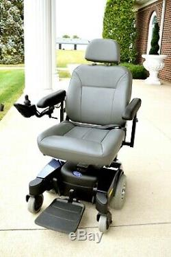Power wheelchair Pronto M-51 by Invacare one of the smoothest chairs running