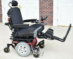 Power wheelchair Quantum q6edg tilt, feet lift, recline -this machine is fast