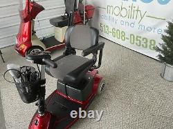 Pride Mobility REVO Electric Scooter Power Chair SC63 300lbs Capacity Newbat