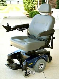 Pronto M61 power chair with power seat lift mint cond. Low hours hard to find
