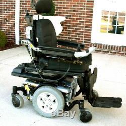 Quantum Q6edge power wheelchair Ilevel seat lift -tilt recline and feet lift