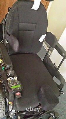 Quantum Rehab Q6 Edge Power Chair