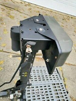 Bruno Asl-250 Plate-forme Extérieure Scooter Fauteuil Roulant Fauteuil Roulant Électrique Remonte-pente Suv Véhicule