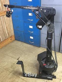 Bruno Mobility Scooter Palan Vsl-670 Ascenseur Électrique Fauteuil Électrique Van Taxi Cab Limo