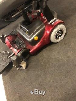 Ctm Fauteuil Roulant Motorisé Portable Hs-1500 Withcharger Pour Les Pièces Ou Réparation