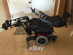 Fauteuil Roulant Électrique Quickie Qm-710 Comme Le Scooter D'accessibilité De Handicap De Permobil