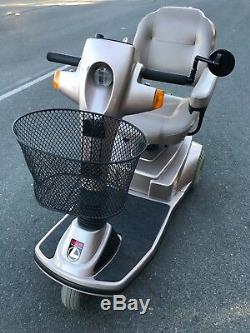 Pride Legend Electric Mobility Scooter Fauteuil Roulant Électrique 3 Roues Pleine Grandeur