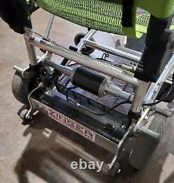 Zinger Scooter Portable, Utilisé Mais En Bon État, Acheté Neuf En 2017, Pliable